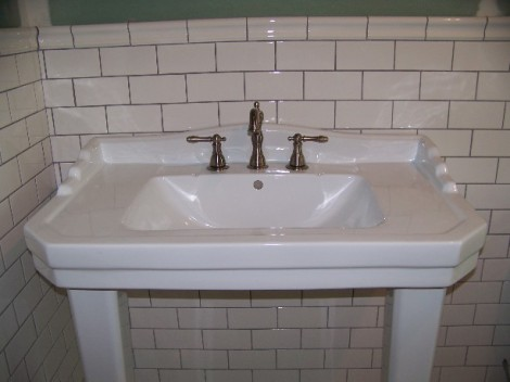 The porcelain sink, the most expensive purchase for the room